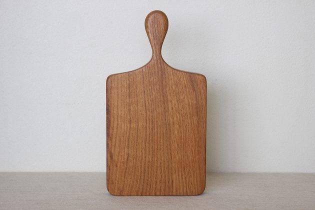 オーク材のカッティングボード