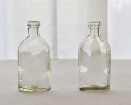 アンティークのガラス瓶